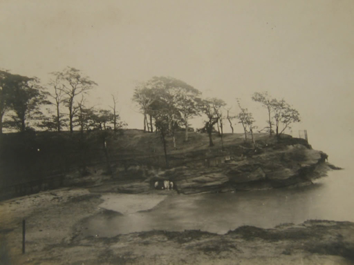 Photograph of Knott's Hole